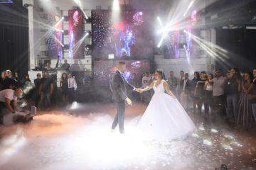 הזוג רוית ושגיא בריקוד בסלואו באולם האירועים הדריה